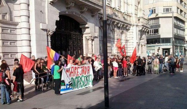 Concentración contra el acto fascista en Santander