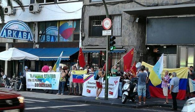 Concentración en Canarias: ¡Venezuela y su Constituyente se respetan!