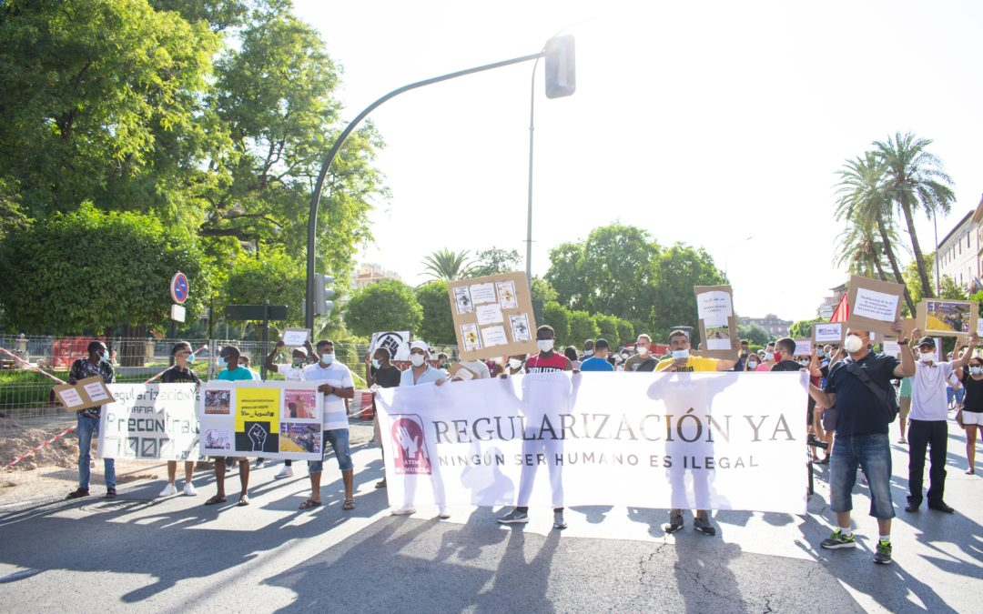 [Murcia] El PCPE junto a la clase obrera migrante por su regularización y denunciando condiciones de semi-esclavitud en el campo agrícola.