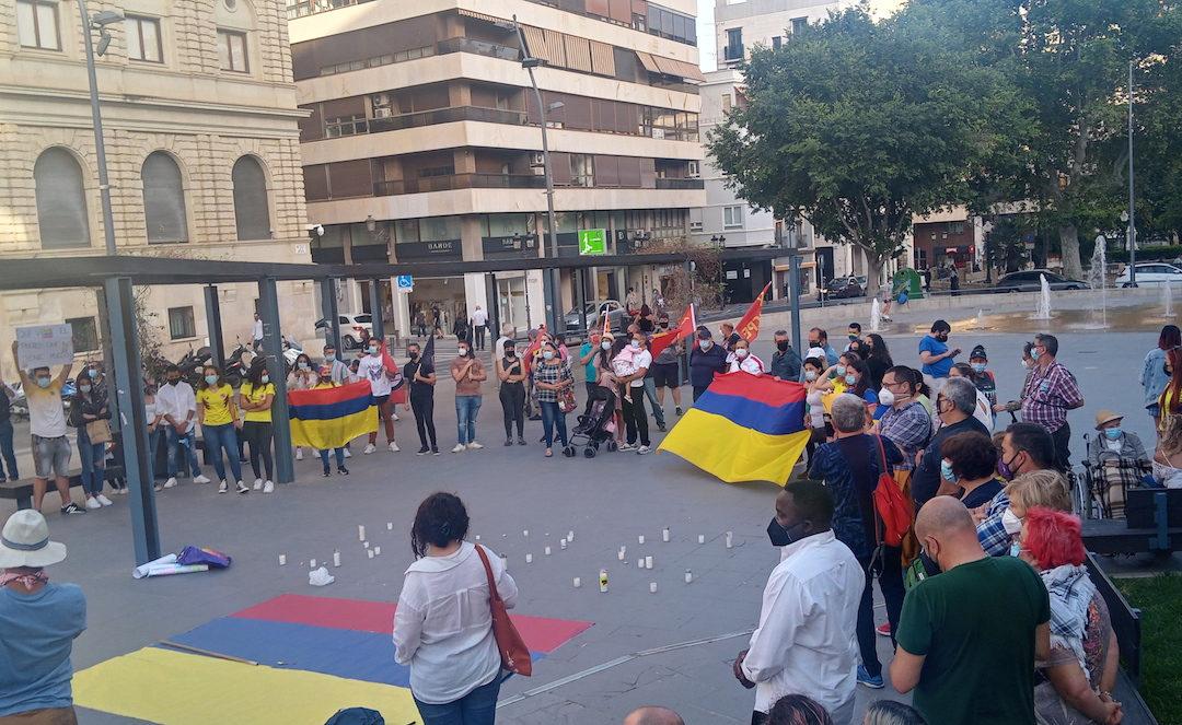 [Alacant] Concentración en solidaridad con el pueblo colombiano